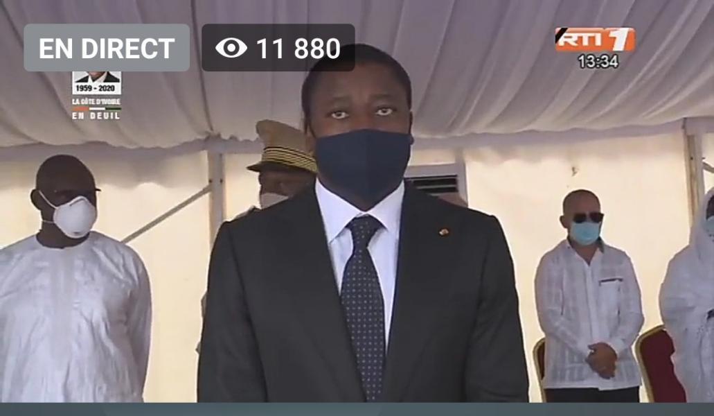 Faure Gnassingbé porte un masque à la prière musulmane  du défunt Amadou Gon Coulibaly