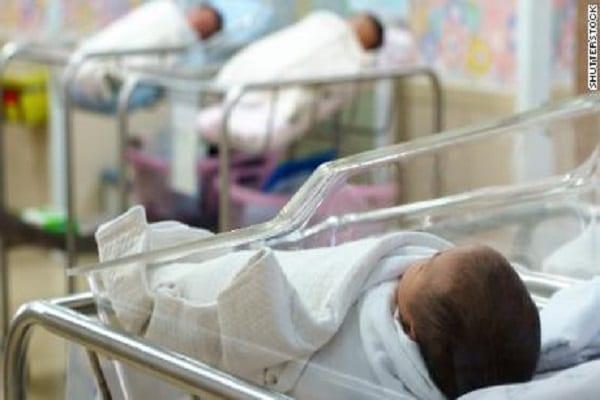 Étude : Les bébés noirs ont trois fois plus de chances de mourir lorsqu'ils sont soignés par des médecins blancs