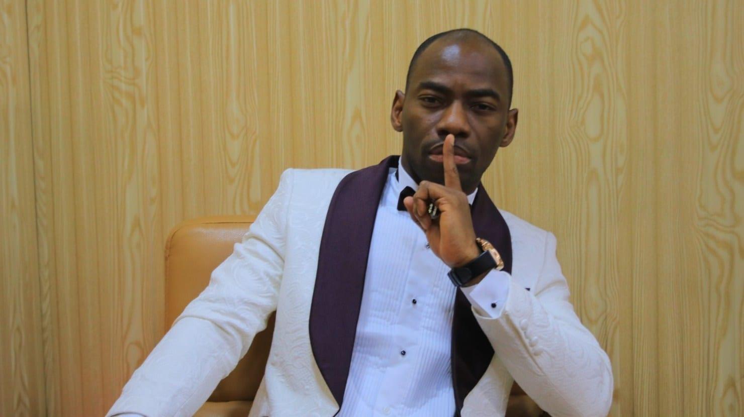 Destruction du téléphone de DJ Arafat : Makosso félicite Olokpatcha