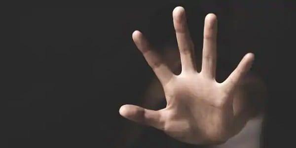 Iran: un homme condamné à 9 ans de prison pour avoir décapité sa fille