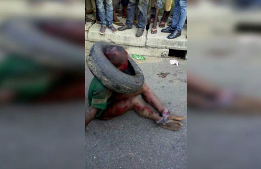 Lagos : un jeune enfant frappé et brûlé vif par la foule