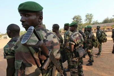 Le gouvernement ivoirien mobilise les soldats