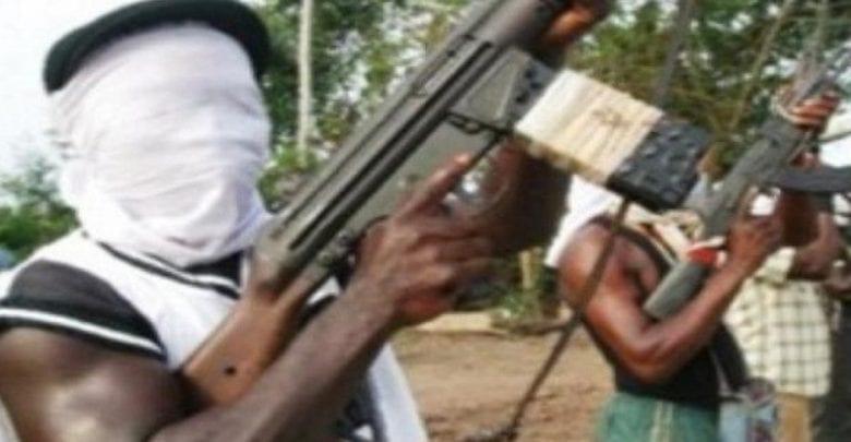 Des hommes armés attaquent une église et tuent 4 fidèles
