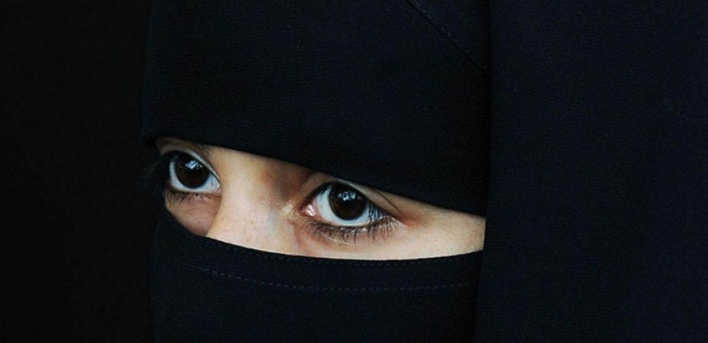 Une musulmane amoureuse d'un chrétien frappée violemment par ses parents