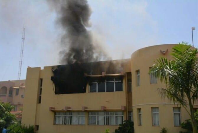 Burkina Faso : l'assemblée nationale en feu