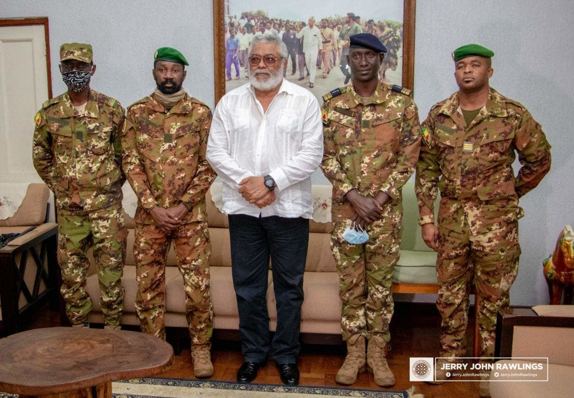 Ghana : Jerry Rawlings conseille la junte militaire