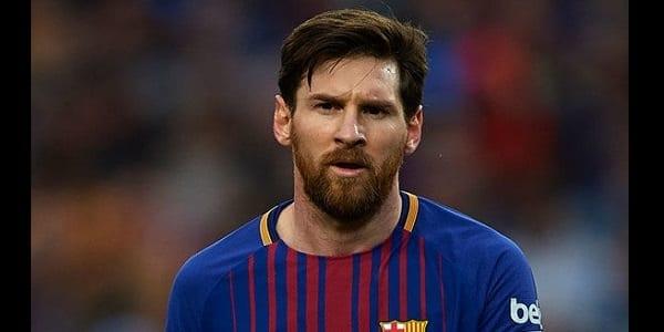 Mercato: les fans d'un grand club italien demandent au président de faire signer Messi (Vidéo)