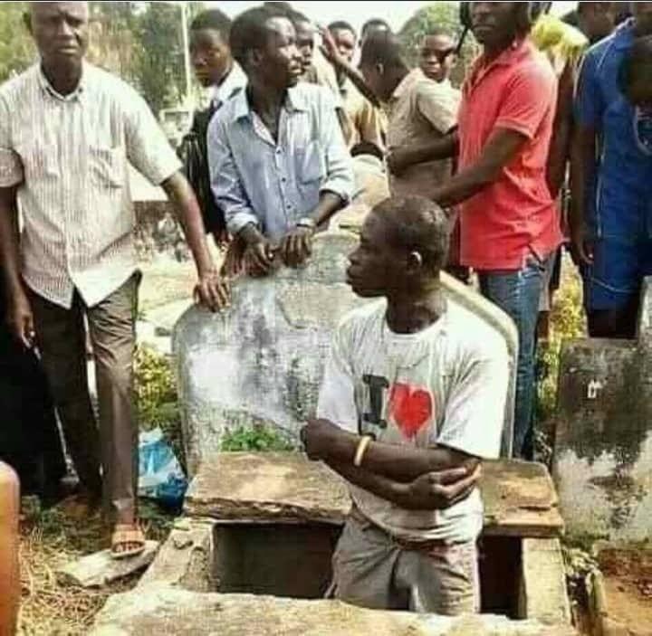 RDC : un jeune homme arrêté pour profanation d'une tombe