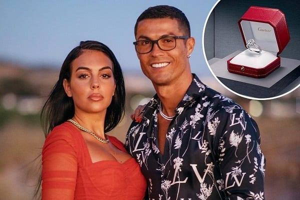 Ronaldo offre la bague de fiançailles la plus chère jamais achetée par un footballeur-Voici le Top 10