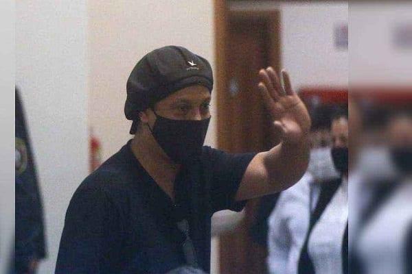 Scandale de faux passeport : Ronaldinho adresse un message à ses fans après sa libération