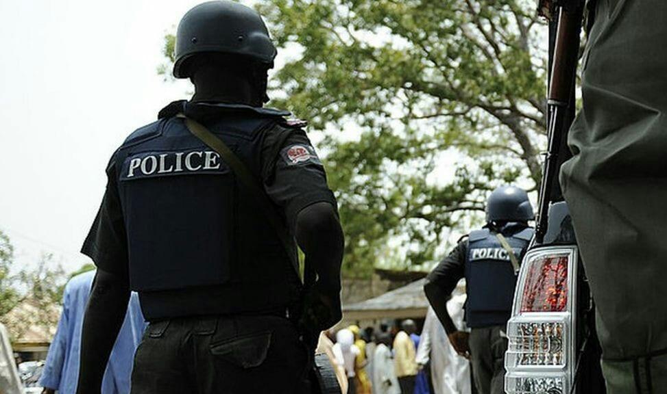 Un policier  gifle un jeune et meurt sur le coup