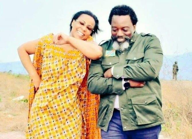 Vie après le pouvoir : Joseph kabila se balade avec sa femme (photo)