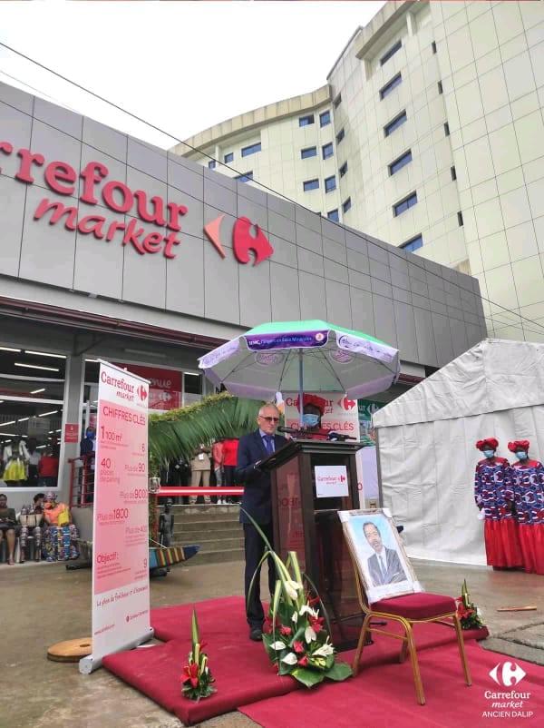 Cameroun : Un petit détail transforme l'inauguration d'un magasin Carrefour en buzz