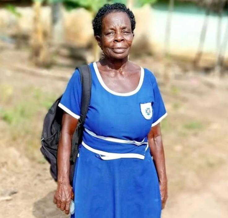 Ghana : une femme de 60 ans passe son examen de BEPC