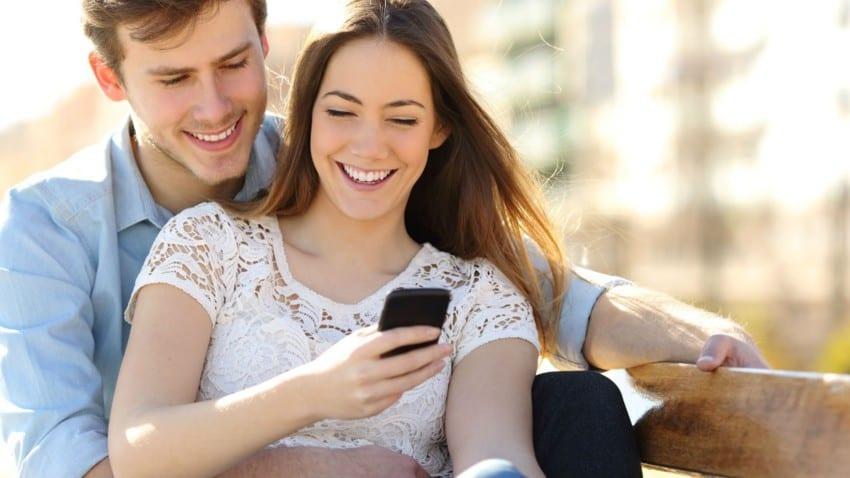 5 jeux ou activités à faire à deux pour renforcer la complicité dans le couple
