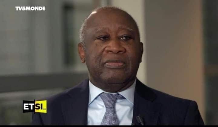 "A propos de son passeport, Gbagbo défie Ouattara: "" Si je veux rentrer, je rentre """