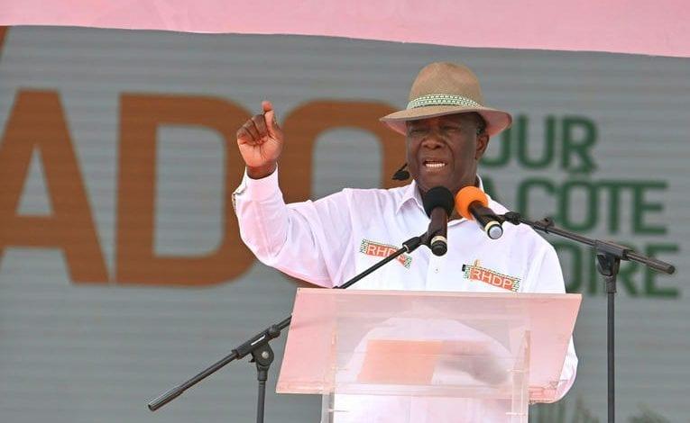 """Alassane Ouattara en meeting à Bouaké : """" c'est le RHDP qui est la majorité dans ce pays """""""