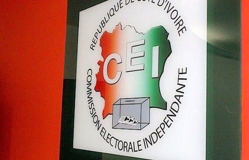 Côte d'Ivoire : des électeurs refusent de retirer leurs cartes