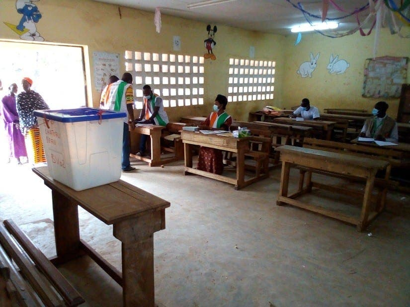 Des électeurs devant les bureaux de vote tôt le matin à Aboisso – Actualité ivoirienne 31/10/2020