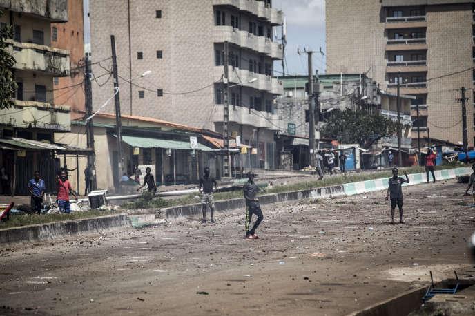 En Guinée, l'opposition conteste la réélection du président Alpha Condé