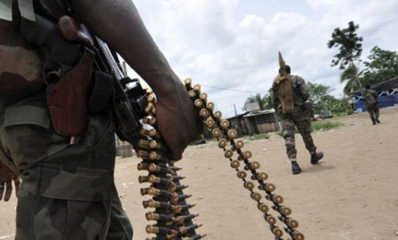 """Exclusivité / Bongouanou: 5 militaires arrêtés dans des """"Gbaka """", 17 kalachnikov emportées"""