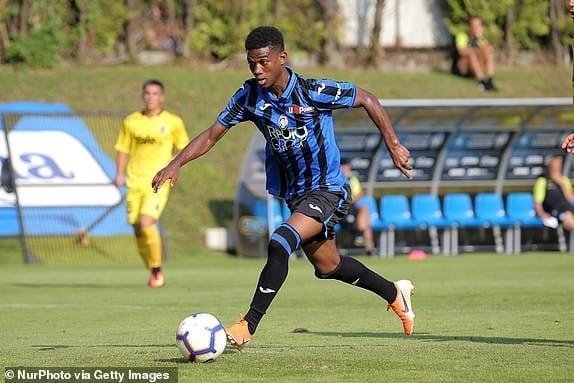 Football : Manchester United recrute un jeune ivoirien de 18 ans