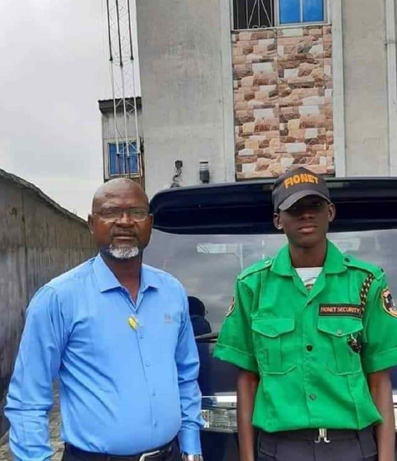 Un millionnaire engage son propre fils comme agent de sécurité