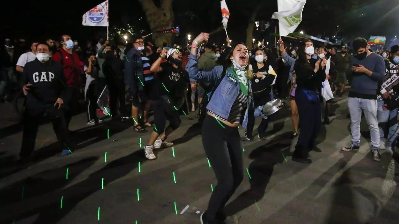 Les Chiliens décident de s'offrir une nouvelle Constitution