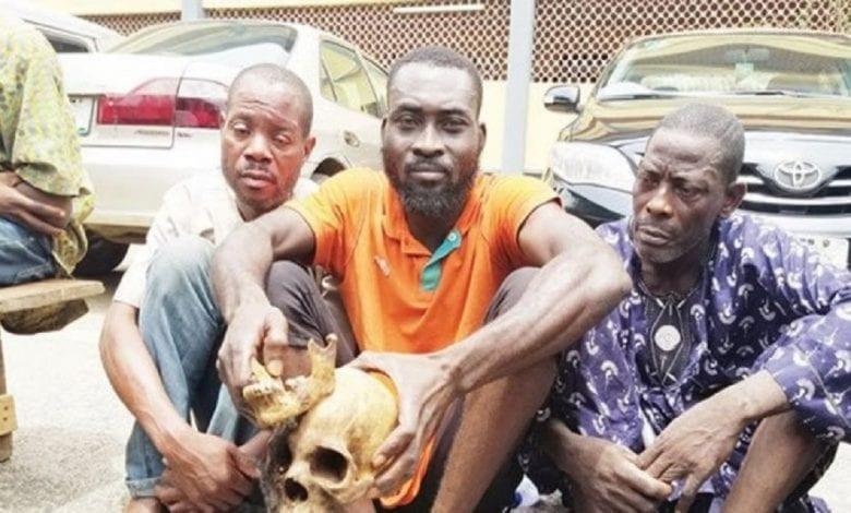 Nigeria: ils exhument 10 cadavres et les décapitent pour un sacrifice rituel