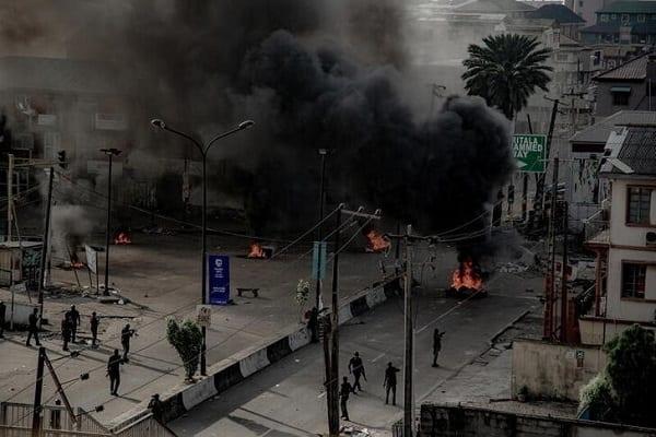 Nigeria : les manifestations contre les brutalités policières ont déjà coûté à l'économie 1,8 milliard de dollars