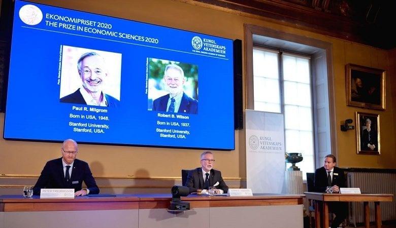 Prix Nobel d'économie : les Américains Paul R. Milgrom et Robert B. Wilson, récompensés