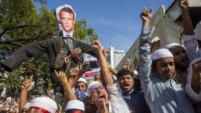 Rassemblements anti-France organisés dans le monde alors que les tensions augmentent