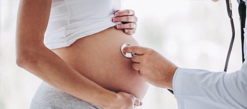 Ce gynécologue a inséminé 17 femmes avec son sperme