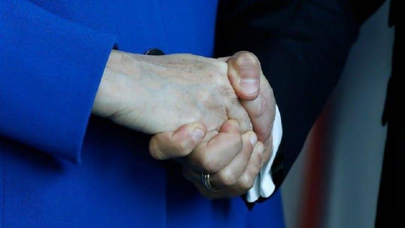Il refuse de serrer la main à une femme et se voit refuser la nationalité allemande