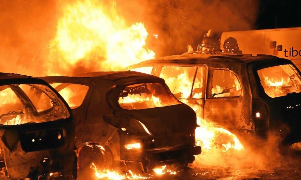 Côte d'Ivoire: un mort et 4 véhicules incendiés à Yopougon