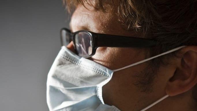 Port de masques : Des astuces pour éviter la buée sur les lunettes