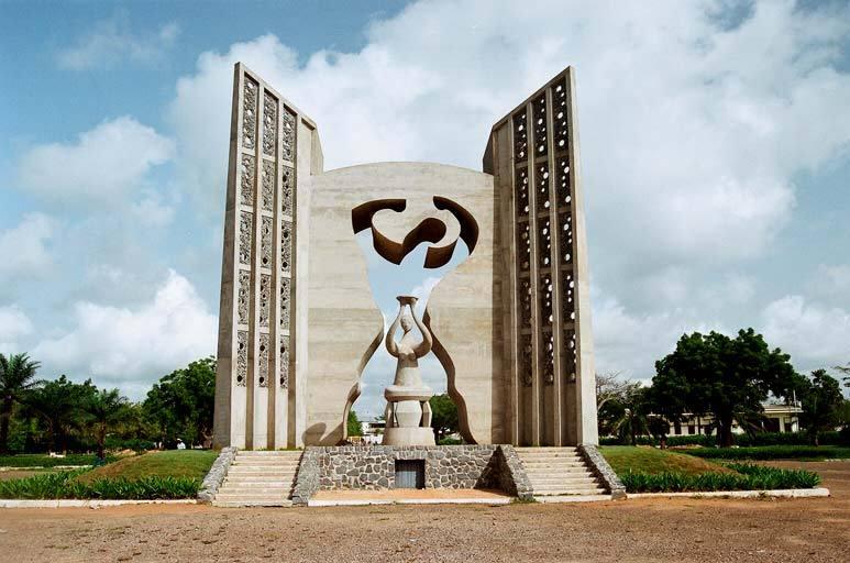 Une plateforme 100% togolaise qui participe au développement économique à votre manière.