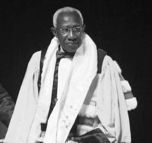 Sénégal : L'opposant Ousmane Sonko rend hommage au Pr Iba Der Thiam