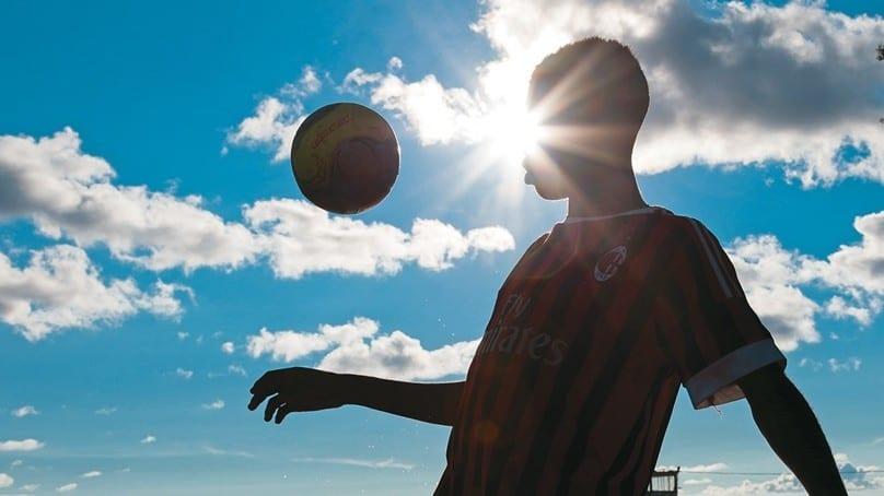 Sénégal : un adolescent qui rêvait de réussir dans le football européen meurt en haute mer