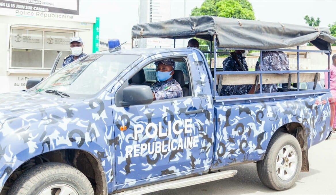 Bénin : un voleur appelle la police pour échapper à la mort
