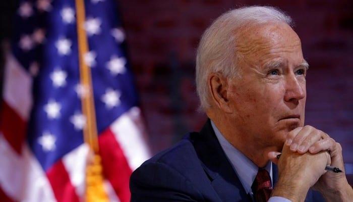 Coup de tonnerre: Joe Biden se fracture un pied dangereusement