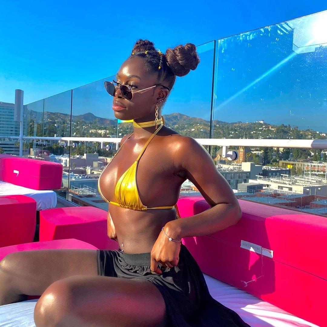 (Photos): Tenues osées, Mame Diarra « Sen Petit Gallé » provoque la toile