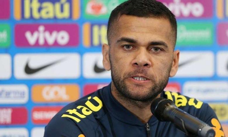 """Dani Alves tacle le Barça : """"La gestion du club a été de se prostituer"""""""