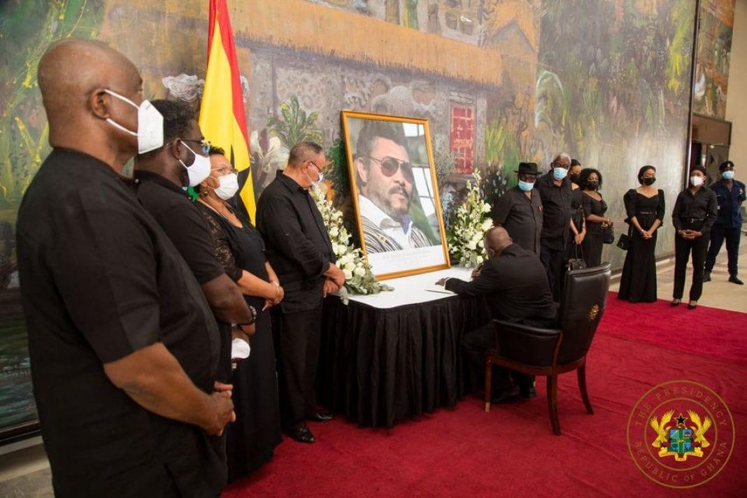 Décès de Jerry Rawlings : Nana Addo chez l'ancienne première dame, en images