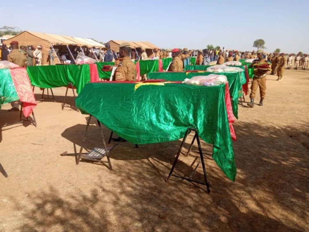 Embuscade au Burkina Faso : les 14 militaires inhumés