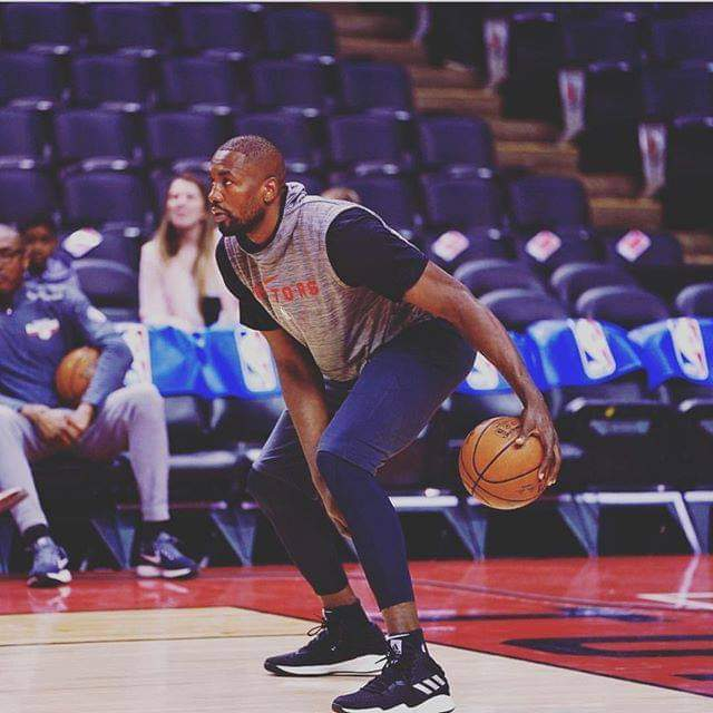 Basketball/NBA: Serge Ibaka signe aux Clippers.
