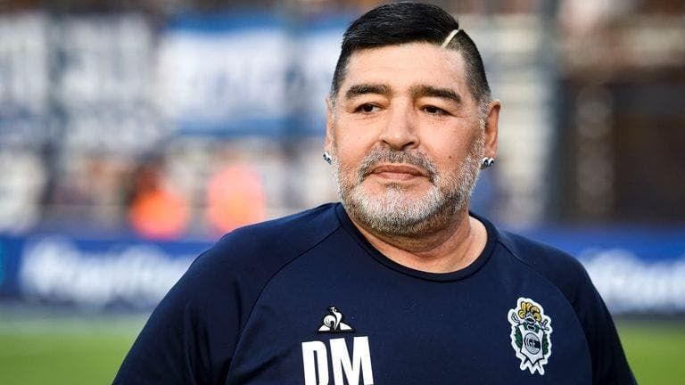 Football : Diego Maradona, la légende à double facette