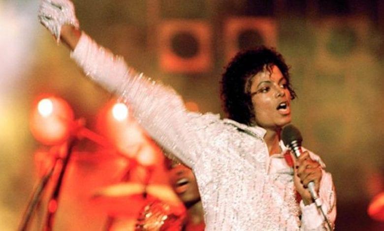 Forbes: Michael Jackson est la célébrité décédée la mieux rémunérée pour la 8e année consécutive- (Top 13)