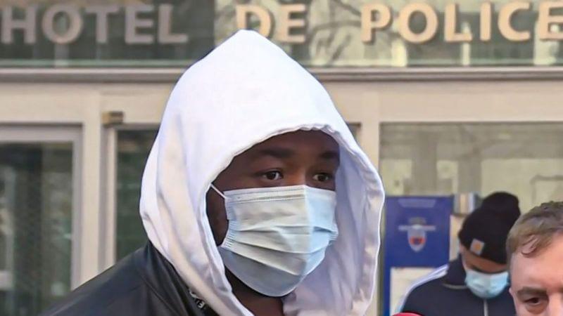 La police parisienne suspendue pour avoir battu un homme noir