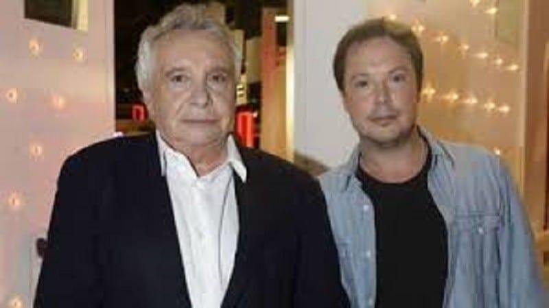 Le fils du chanteur Michel Sardou s'en prend à Emmanuel Macron
